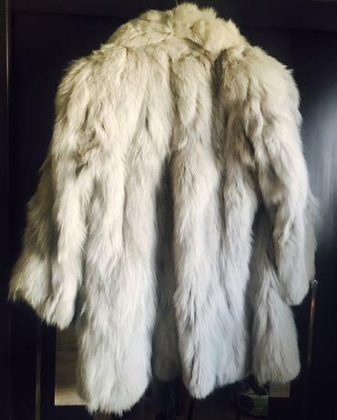Haina de blana naturală . Vulpe polară . Stare impecabila .