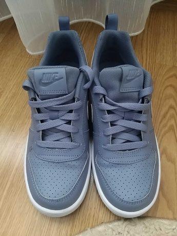 Adidasi dama Nike