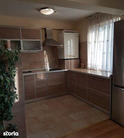 Apartament cu 4 camere de vânzare în zona Andrei Muresanu