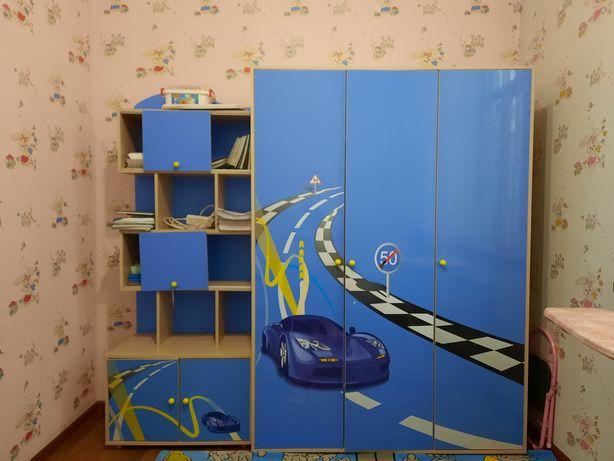 Продаю детский шкаф и кровать