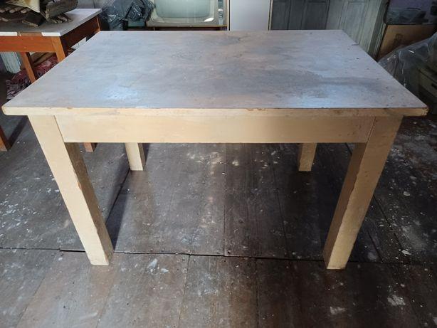 Masa veche din lemn masiv