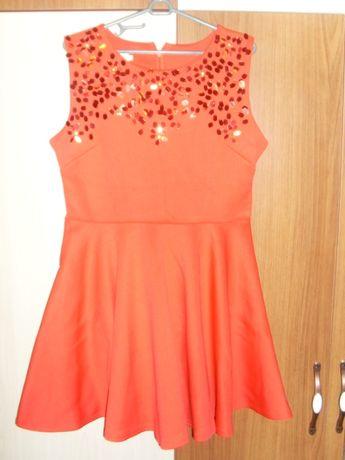 Официална червена рокля с пайети