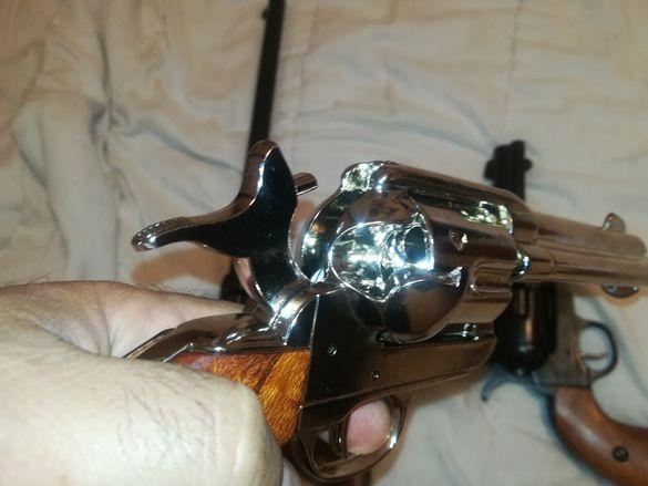 Каубойски револвер Колт / Colt. Пистолет-Уестърн класика