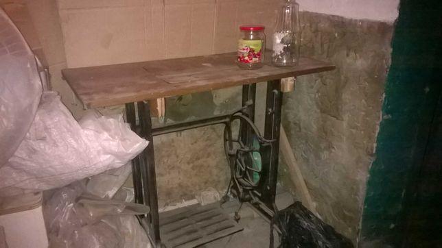 швейный стол литой чугунный