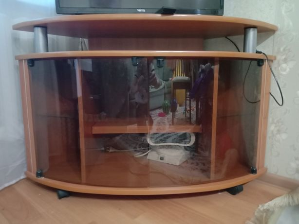 Продается тумба для телевизора