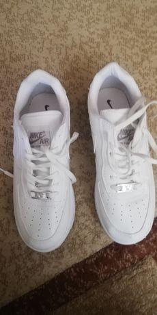 Adidas Nike mărimea 36