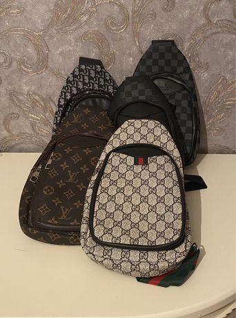 В наличии сумки как для мужчин и для девушек. Турция.