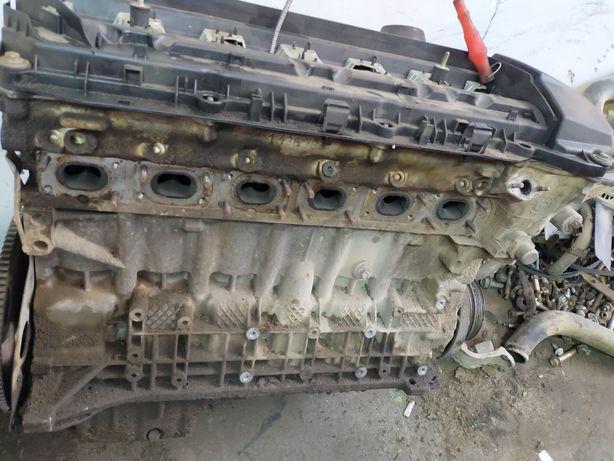 Мотор 2,5 ванос.