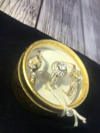 кольцо и  сережки с камнями ,  585 (14K), вес 4.08 г. №АВ9665 №АВ8202