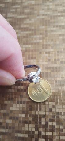 Inel aur alb 18k cu diamante