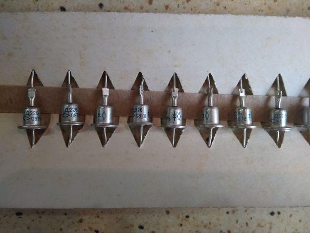 Кремневые выпрямительные диоды типов: Д226, Д226А, Д226Е.