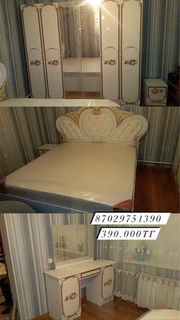Спальный гарнитур, с бесплатной доставкой и сборкой!