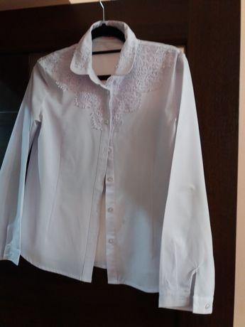 Продаю блузка девочку 11 лет для школа ,цвет белый,состояние отличный