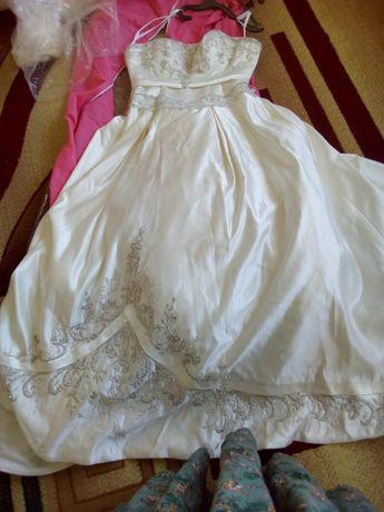 Продам свадебное платье, хиджаб