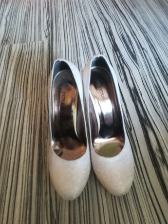 Обувки дантелени сватбени