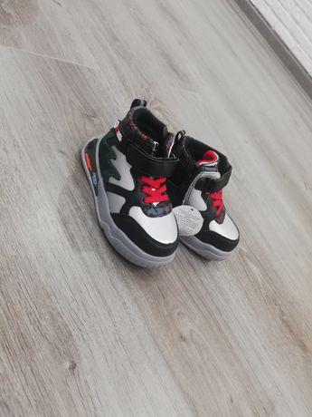 Обувь для мальчика, новые