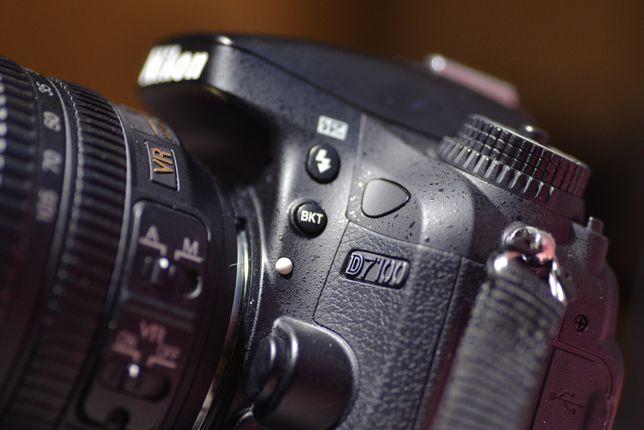 Профессиональный, новый фотоаппарат NIKON D7100 с объективом