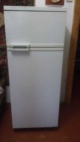 Продам холодильник  'АТЛАНТ'.