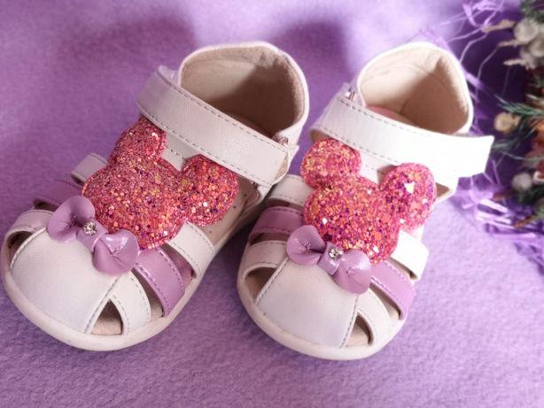 Новые сандалики 18 размер