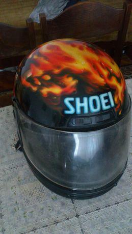 Продавам каска Shoei