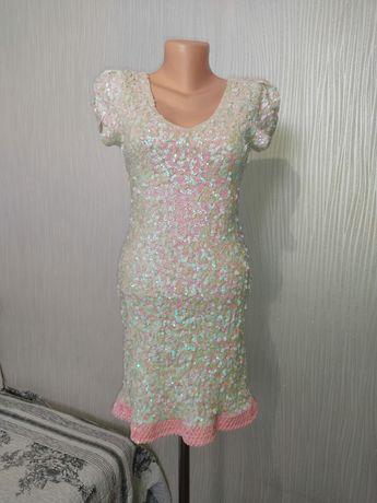 Продам платье размер 40-44