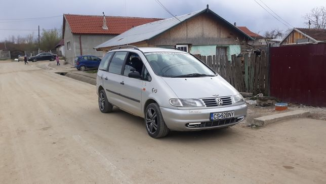 VW SHARAN 1.9 TDI 110 PS AN 2000 pret 1900€
