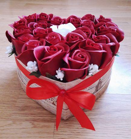 Aranjamente florale din trandafiri de săpun parfumați