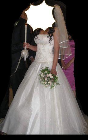 Булчинска рокля с воал