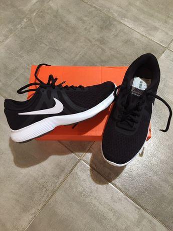 Adidasi Nike 36