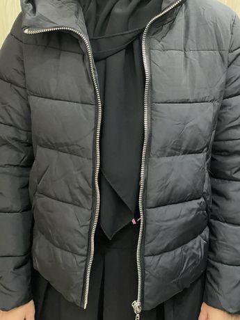продам куртку 40-42 женская