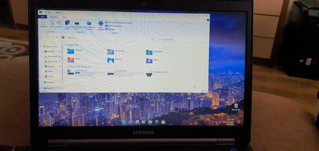Laptop Samsung i3 cu windows 11