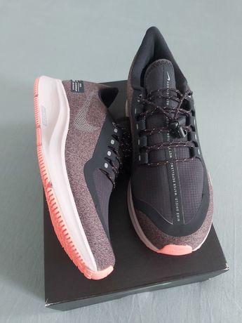 Vând adidași noi Nike pentru dame