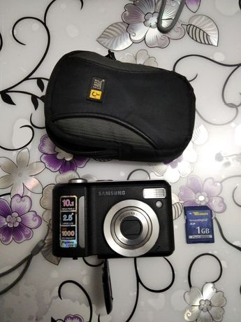 Фотоапарат Samsung Digimax S1000