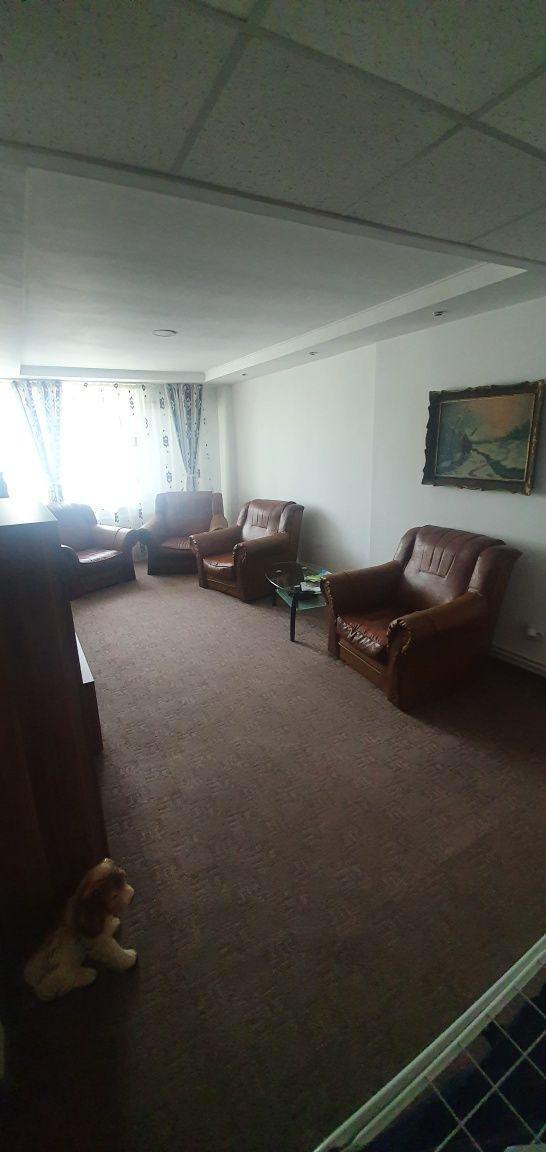 Apartament 4 camere A I Cuza zona Mc Donalds