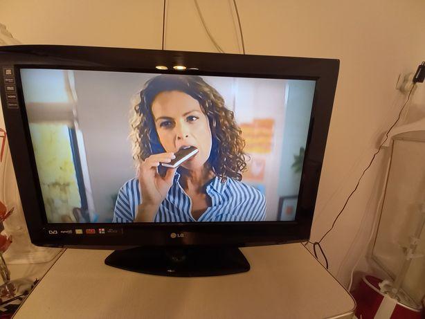 TV  LED 70/40CM  LG