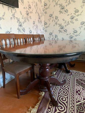 Срочно овальный деревянный стол