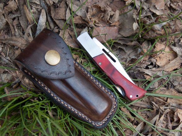 Джобно ножче с кожен калъф