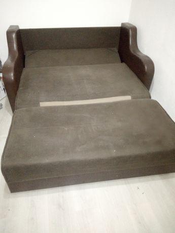 Canapea solida pentru 2 persoane