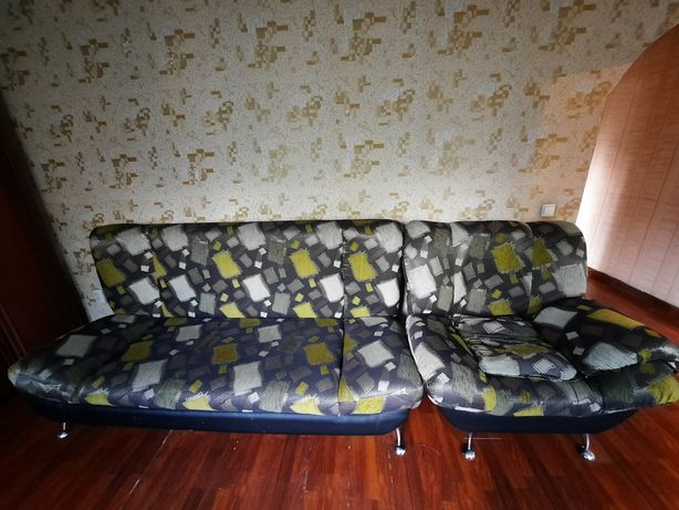 Диван-тахта и два кресла