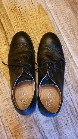 Обувки Колев и Колев 39 номер