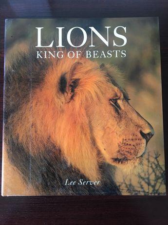 Енциклопедии за лъвовете, праисторическия живот и митове от цял свят
