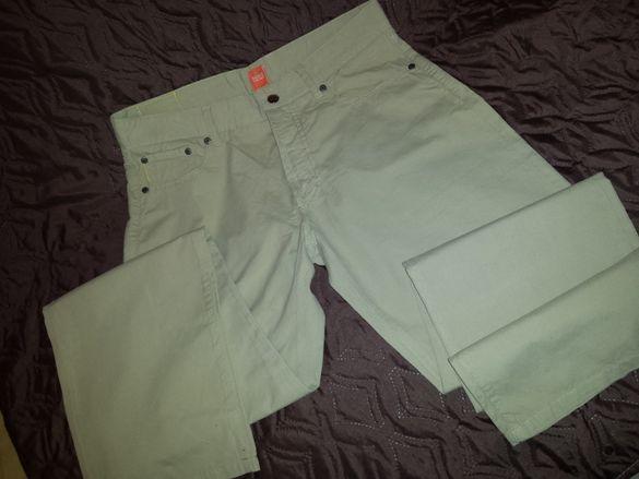 Продавам мъжки панталон BOSS размер М