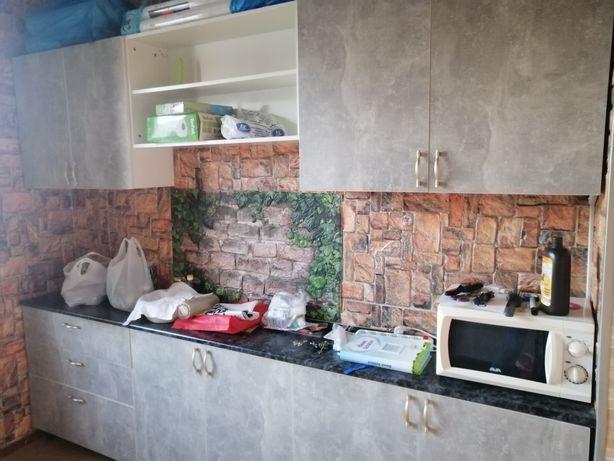 Продам встроенную кухонную мебель