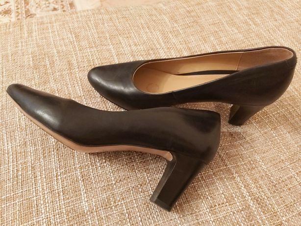 Продам туфли кожанные,  в отличном состоянии, Звонить после 18 часов