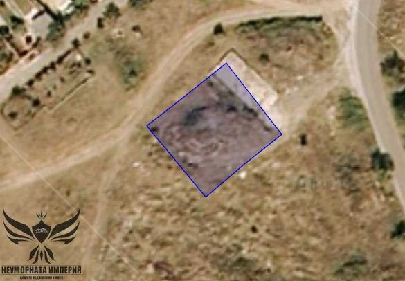 Продавам урбанизиран имот 907кв.м. в село Червен общ.Асеновград