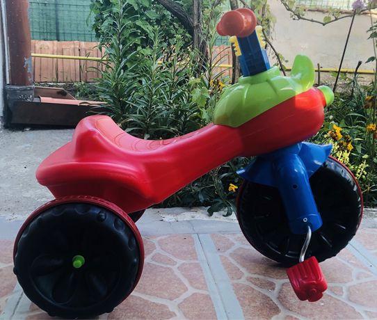 Triciclete mici pentru copii