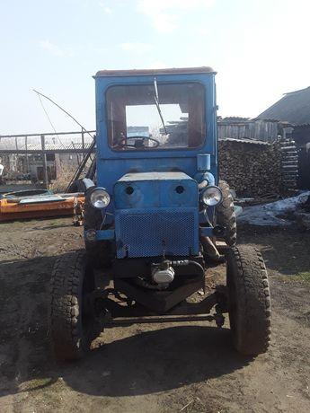 Трактор с телегой.торг