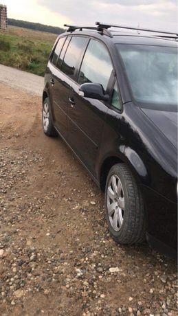 VW Touran 2.0 140 cp