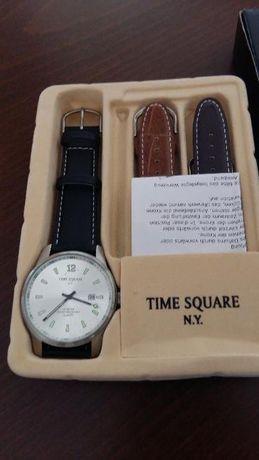 Часовник TIME Square