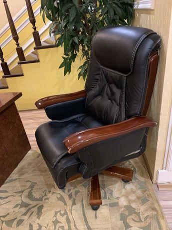Продам кресло кожаное